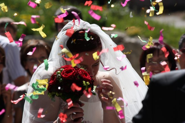 wedding_bride_floral_arrangement