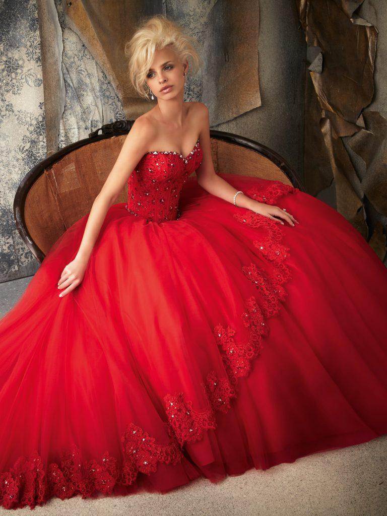 robi blog 9 piros esküvői ruha
