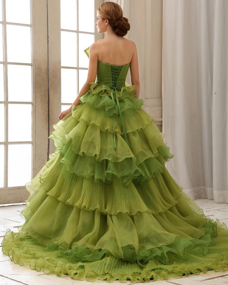116068d406 Nem mindig volt fehér a menyasszony ruhája - Visegrádi Esküvő