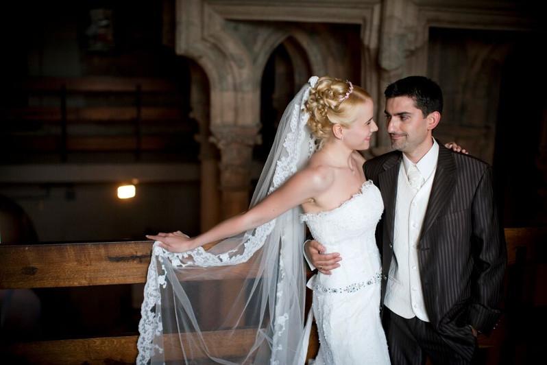 Esküvői fotózás a Salamon-torony földszinti termében