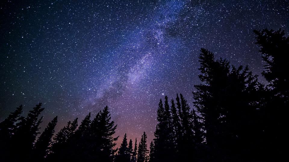 visegrád esküvő_égbolt csillagokkal