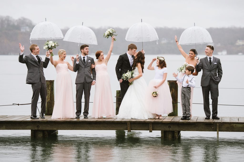 Rainy_Wedding_Photography_Tips_01