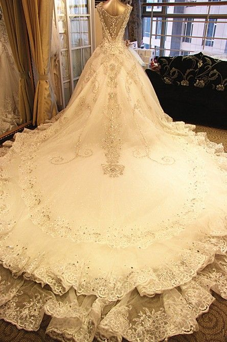 4e6ba54b6cb5caa8a14eab9b4376d736--amazing-wedding-dress-dress-wedding