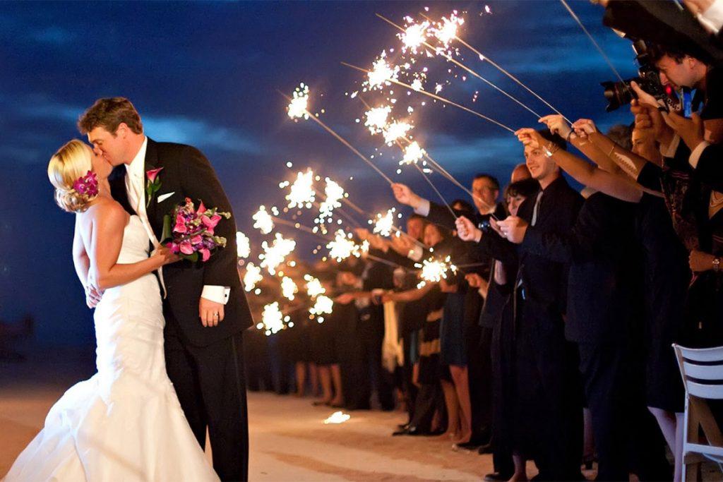 20-Magical-Wedding-Sparkler-Send-Offs-for-Your-Wedding-001