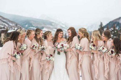 Stunning-Bridesmaid-Winter-Wedding-Styles-Ideas-32