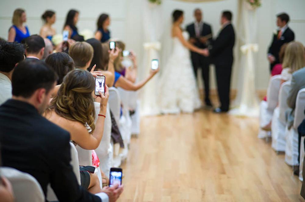 Phones-at-Wedding (1)