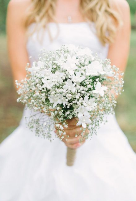 2015_bridescom-Editorial_Images-07-wedding-flower-meanings-Large-wedding-flower-meanings-stephonits (1)