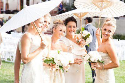 bridesmaids-with-parasols1 (1)