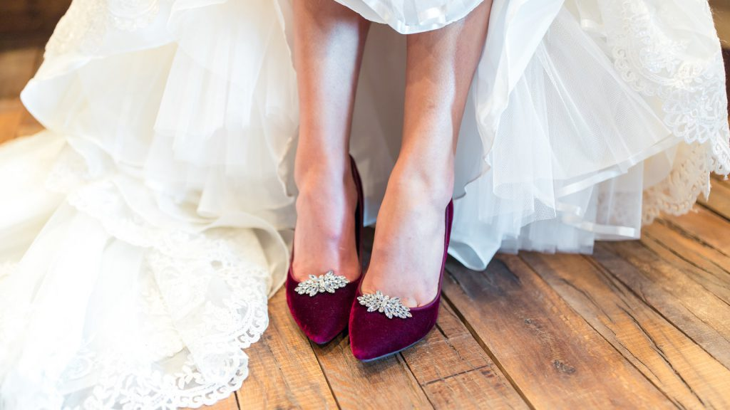 00weddingshoes-videoSixteenByNineJumbo1600