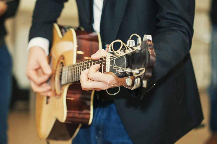 wedding-music-guitar-band
